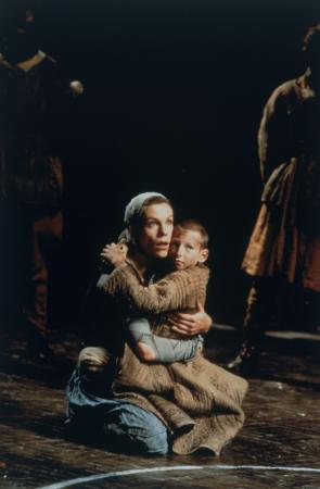 Juliet Stevenson in Theatre de Complict�'s production of The Caucasian Chalk Circle at the National Theatre 1997, photograph by Robbie Jack