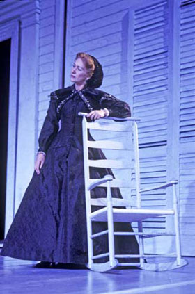 Helen Mirren in Eugene O'Neill's Mourning Becomes Electra (National: Lyttelton, 2003), directed by Howard Davies, lighting by Mark Henderson, photo: Ivan Kyncl