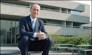 Nick Hytner in front of the National Theatre